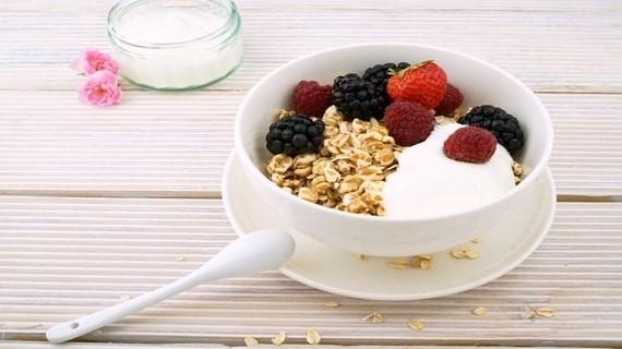 Cách phân biệt loại ngũ cốc Granola và Muesli